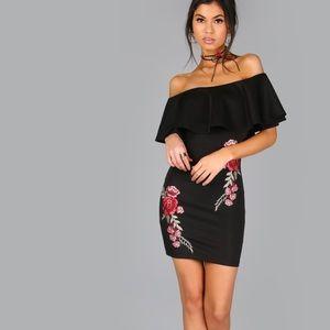 Dresses & Skirts - Date night FAB! Black off-shoulder dress